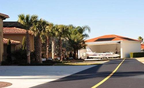 全球最土豪乡镇,每家都有私人飞机