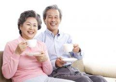 老人吃饭噎是怎么回事,老人吃饭容易噎住原因